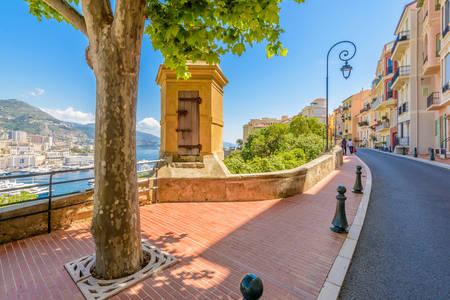 Straße im Dorf Monaco