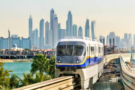 Train op monorail