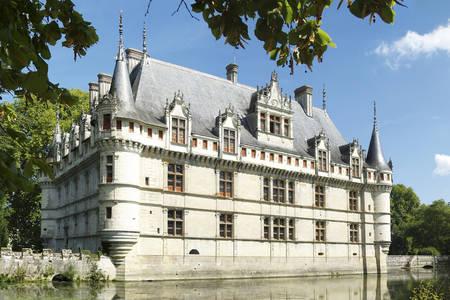 Aze-le-Rideau castle