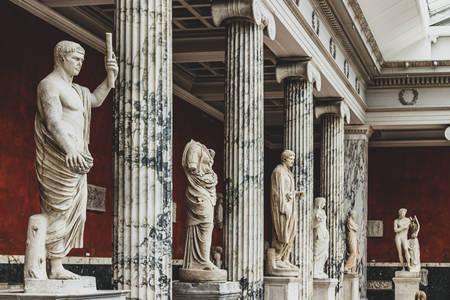 Зал зі скульптурами в Гліптотеку Карлсберга