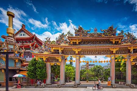 Puerta al templo de Dalongdong Bao'an