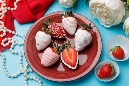 Căpșuni în ciocolată albă