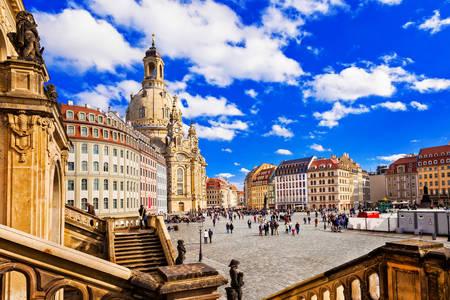 Площад Ноймаркт в центъра на Дрезден