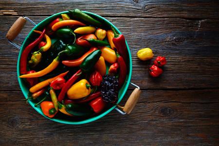 Разноцветные перцы
