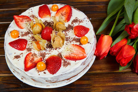 Strawberry and Physalis Cake