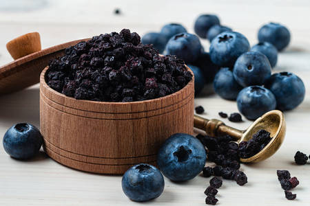 Dried and fresh blueberries