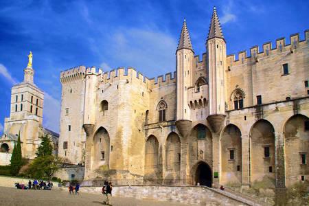Pápežský palác v Avignone