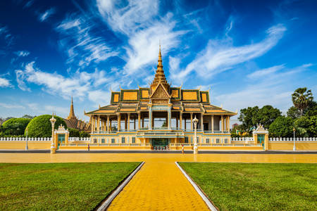 Άποψη του Βασιλικού Παλατιού στη Πνομ Πεν