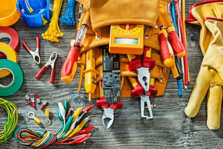Komplet alata za električare