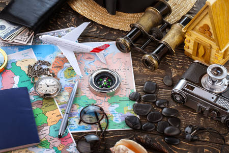 Traveler Maps and Accessories