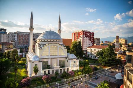 Pogled na džamiju Ebu Becker