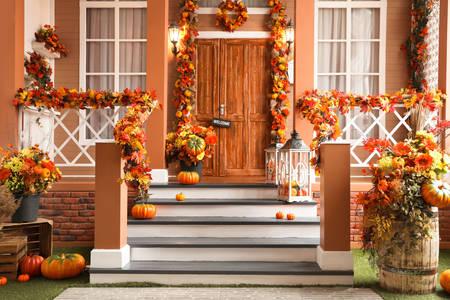 Jesienna dekoracja elewacji