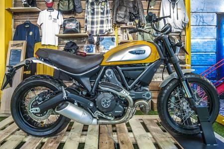 Motorrad auf dem Display