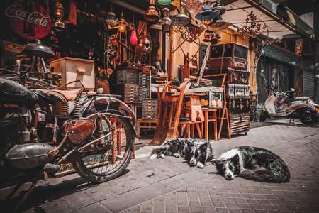 Rommelmarkt in de oude stad van Jaffa