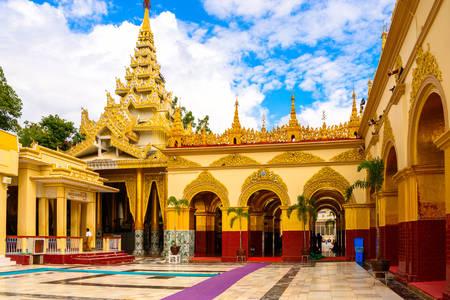 Buddha Mahamuni Temple
