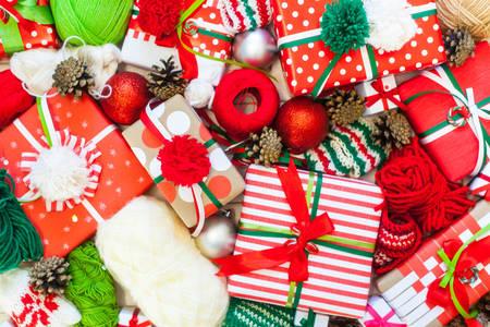 Барвисті подарунки до Різдва