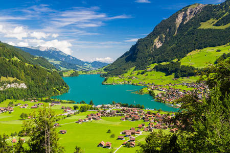 Lungern commune and lake