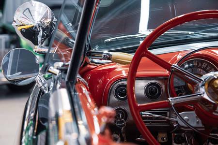 Retro automobilska nadzorna ploča