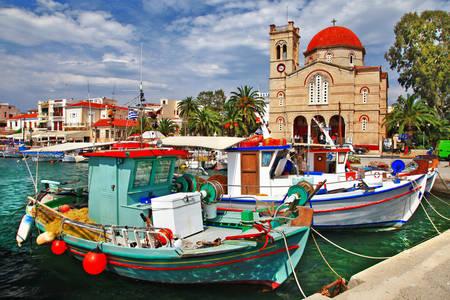 Barcos en la isla de Egina