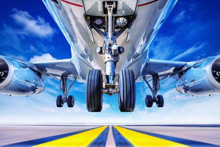 Tren de aterrizaje de avión