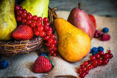 Kruške i bobičasto voće