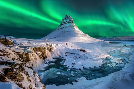 Nordlichter über Mount Kirkufell