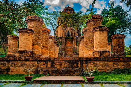 Cham towers Ponagar