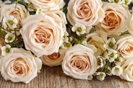Buchet de trandafiri bej