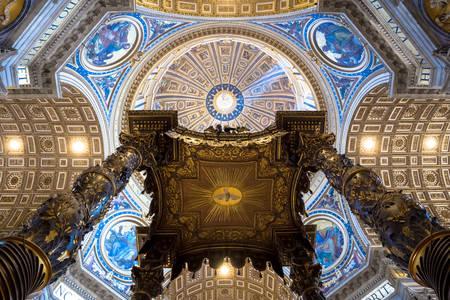 Interiér Dómu svätého Petra