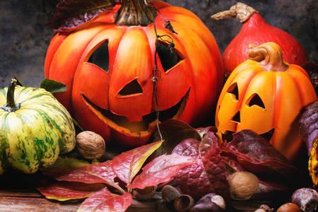 Noć vještica bundeve i jesensko lišće