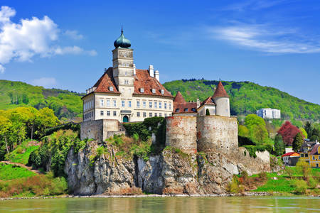 Castle Schonbuhel