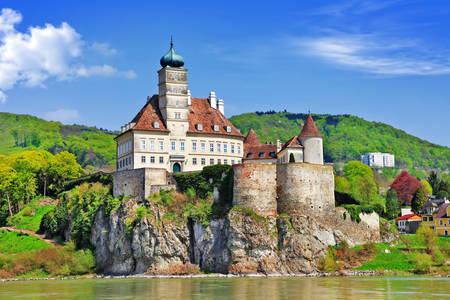 Dvorac Schönbuhel