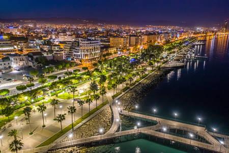 Noční Limassol