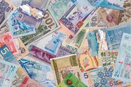 Различни банкноти