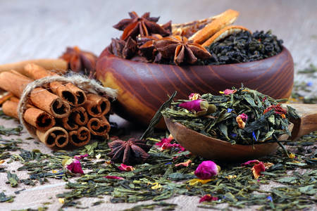 Green tea with flowers and spices