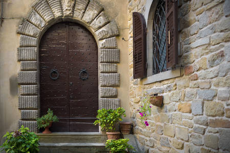 Toskana köyündeki taş ev