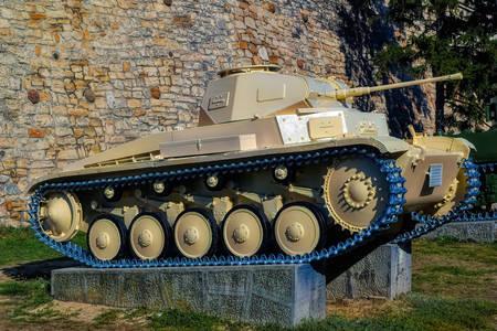 Oude tank in het Militair Museum in Belgrado