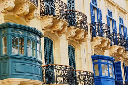Balcons traditionnels à La Valette