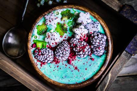 Blue Spirulina Smoothie