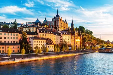Kilátás az óváros mólójára Södermalmban