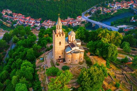 Изглед към крепостта Царевец