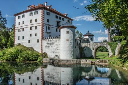 Zamak Sneška Belići