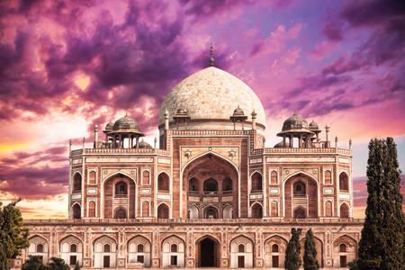 Humayun's mausoleum against a purple sky