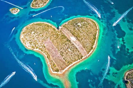 Galshnyak island in the shape of a heart