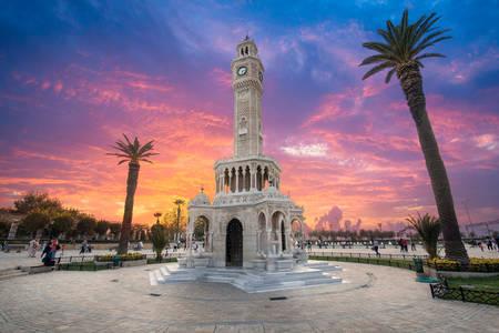 Измирская часовая башня