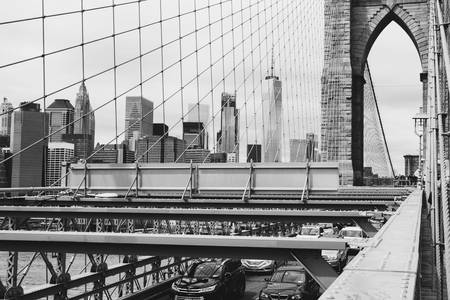 Brooklyn bridge en wolkenkrabbers
