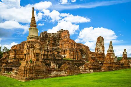 Ruinen des Phra Mahathat Tempels in Ayutthaya