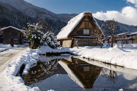 Snowy Shirakawa