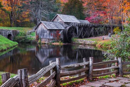 Mabrey Mill - Wassermühle