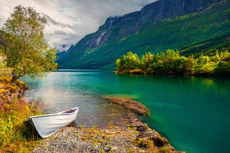 Λίμνη Lovatnet
